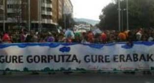 """Miles de personas reivindican en Pamplona """"el derecho al aborto"""""""