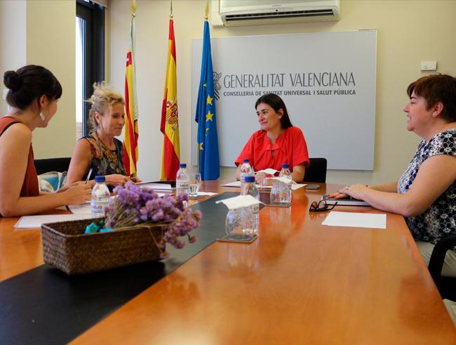 Consellera de Sanidad de la Comunidad Valenciana y la responsable de la Unidad de Igualdad de la Conselleria de Sanidad se han reunido con la FPFE
