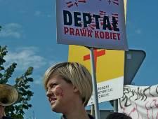 Los derechos de las mujeres a discusión en el parlamento de Polonia