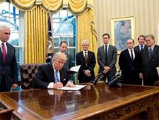 Crece la oposición a la Ley Mordaza de Trump